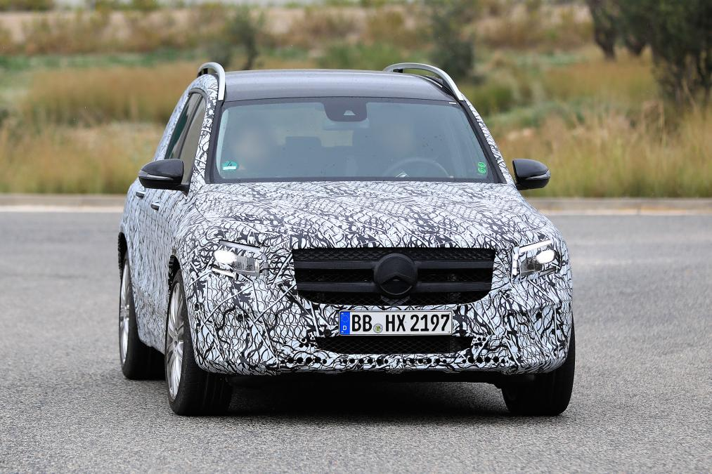 Mercedes GLB - spyshot 4