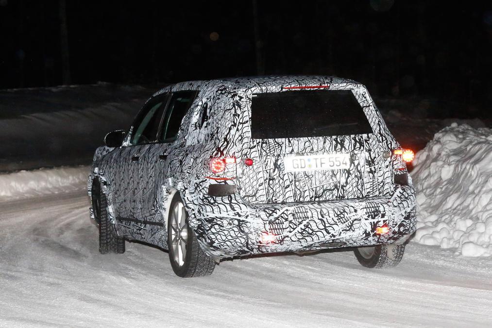 New Mercedes GLB - rear cornering