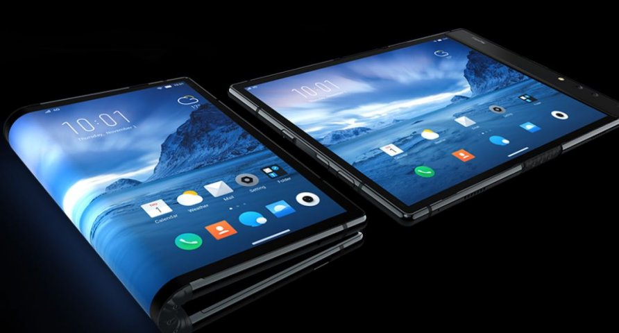 Disrupting consumers' traditional concept of a smartphone, FlexPai can be used either folded or unfolded, giving it the portability of a smartphone plus the screen size of a high-definition tablet. Courtesy of Royole Corporation.