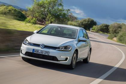 Volkswagen e-Golf - front tracking