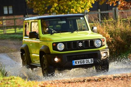 Suzuki Jimny - off road