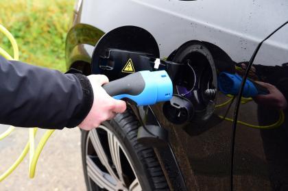 Volvo XC90 - charging