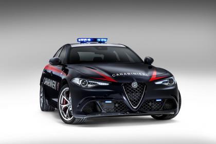 Alfa Romeo Giulia - Police car front three quarter