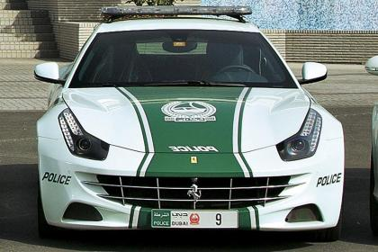 Dubai police cars Ferrari FF