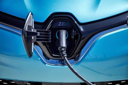Renault ZOE - charging