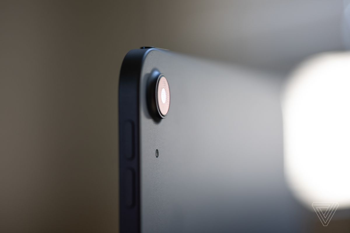 There's a single 12-megapixel wide-angle camera on the back. It is fairly good, but shouldn't drive your purchasing decision one way or the other.