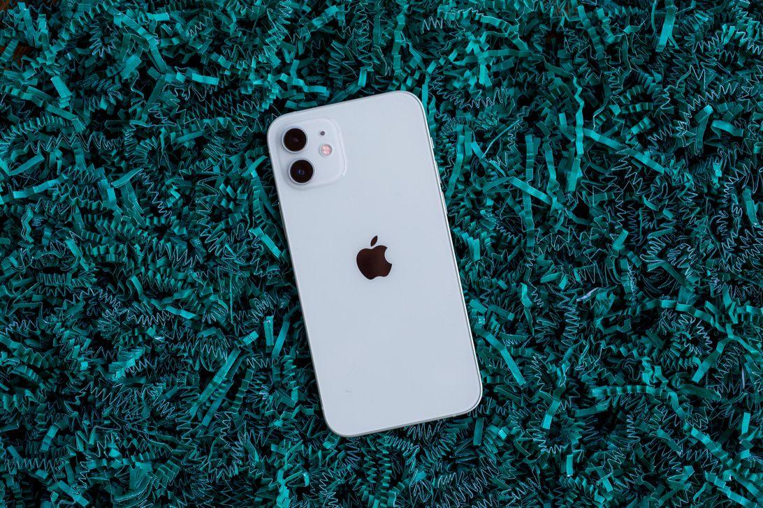 apple-iphone-12-confetti-9923