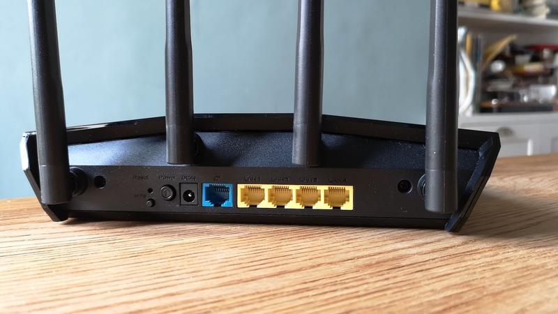 Asus RT-AX55 ports