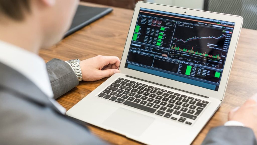 Do You Need a Powerful Phone or Computer to Trade Forex?