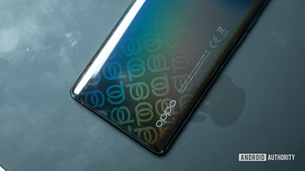 Oppo Reno 4 Pro 5G color effect on the rear housing