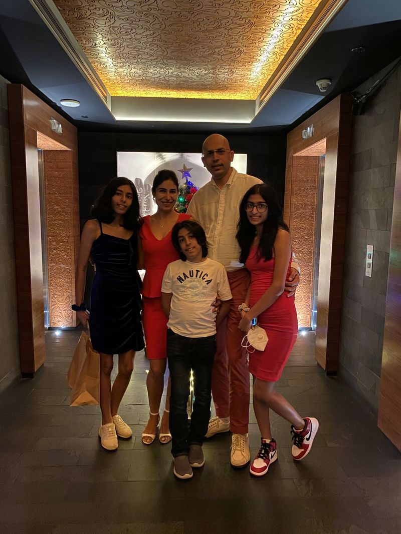 NAT Sangeetha and her daughters 1-1614771555022