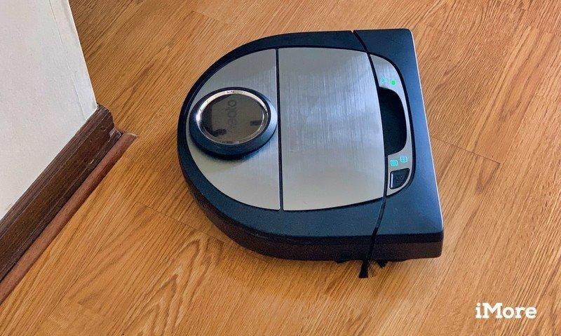 Neato D7 Robot Vacuum