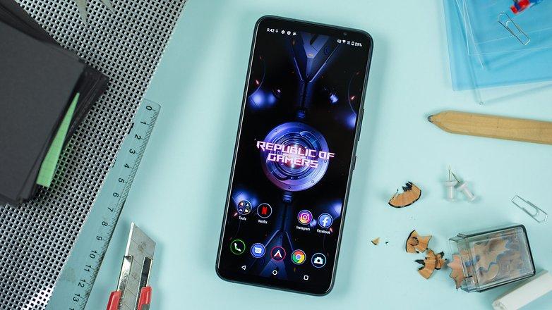 NextPit Asus ROG Phone 5 screen