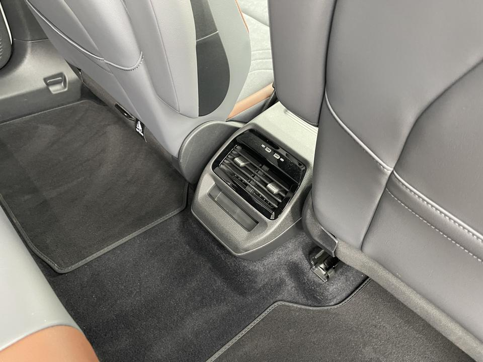 VW ID.4 rear air vents