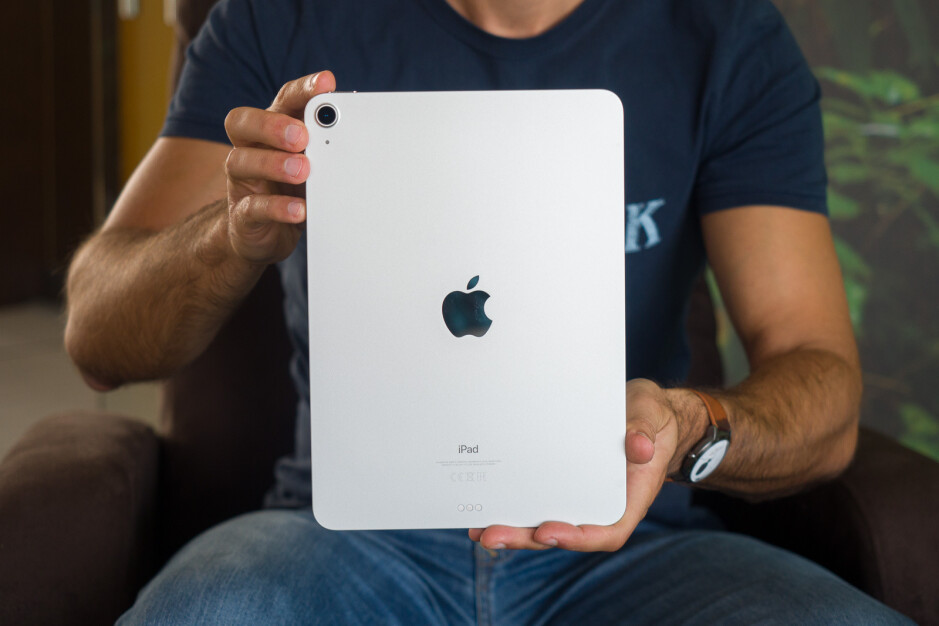 The iPad Air 4 only has a single rear camera, no LiDAR or a flash either - iPad Pro 2021 vs iPad Air 4: How much of a difference?
