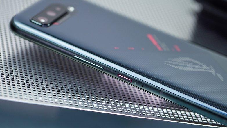 NextPit Asus ROG Phone 5 side