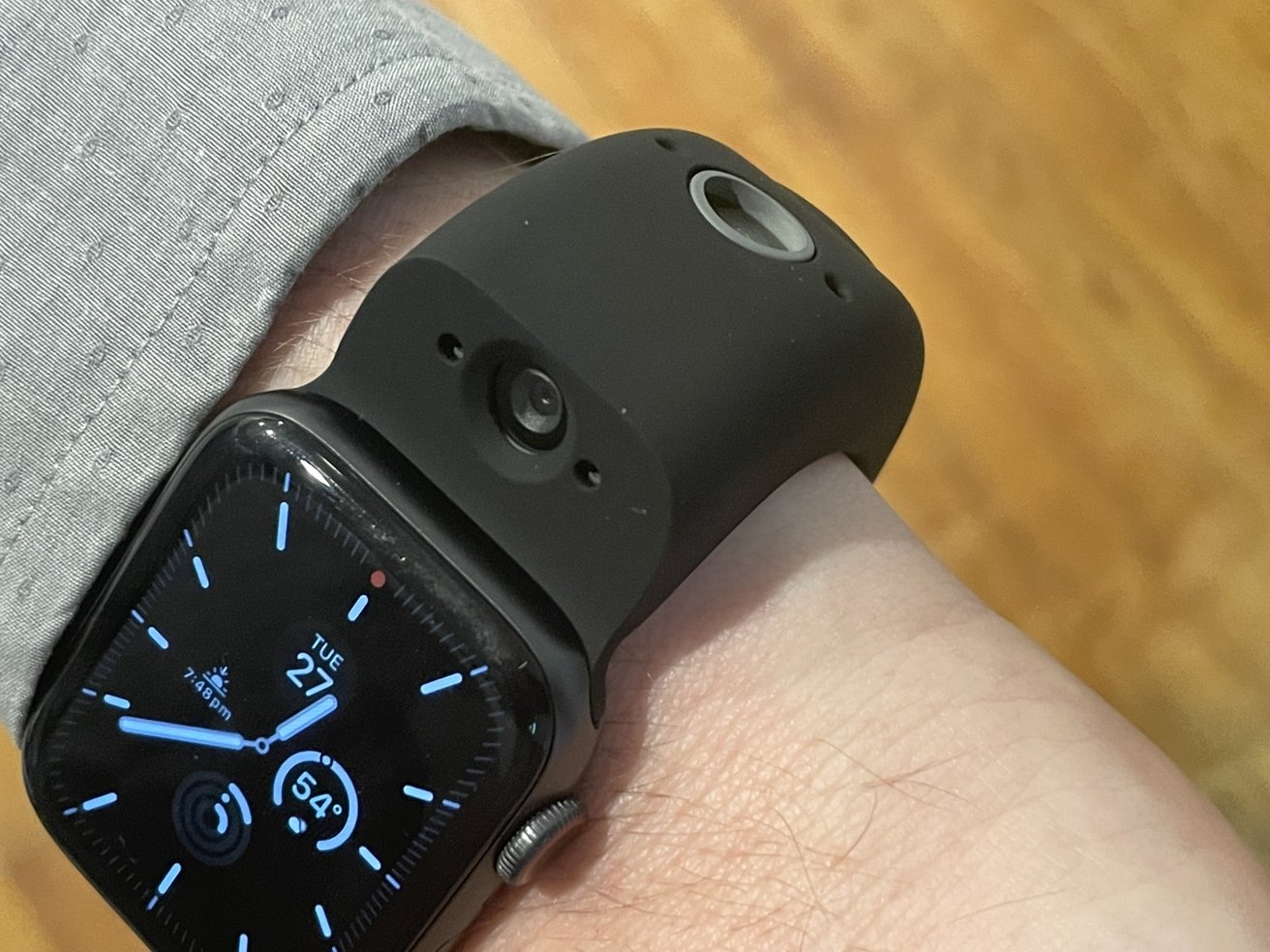 Two cameras are included in the Wristcam, to photograph yourself or something nearby.