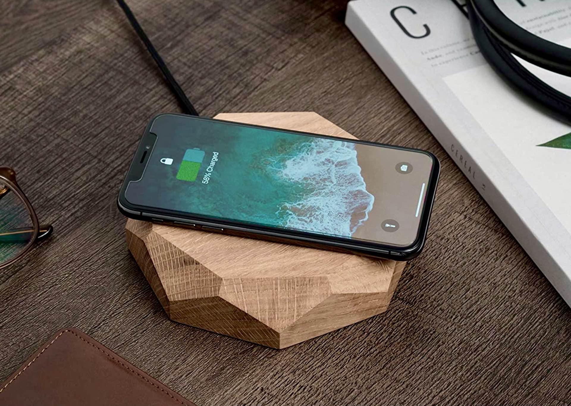 Oakywood Wooden Geometric Wireless Phone Charging Dock