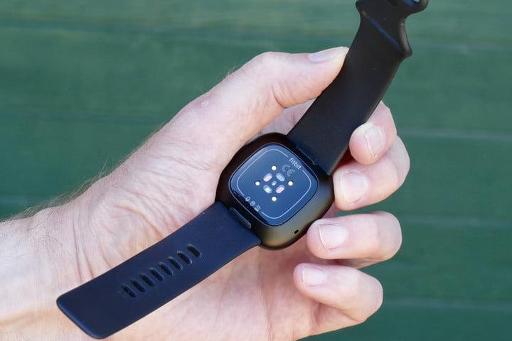 Fitbit Versa 3 heart rate sensor