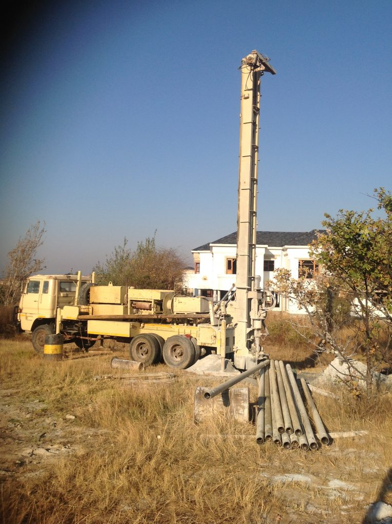 The borehole drilling rig