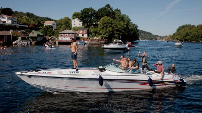 Over 30 racerbåter deltok i Bergen Poker Run lørdag