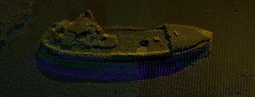 """Opmåling af sunken fartøj beliggende ud for Aasiaat. Stregerne består hver af 1024 punkter """"beams"""", der hver især rammer et stykke af båden og tilsammen danner en tredimensionel aftegning (fra Pinngortitaleriffiks Facebookside)."""