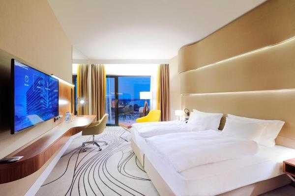 Radisson Blu Resort2