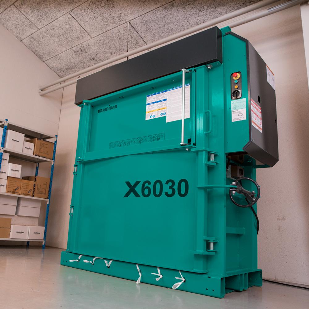 X6030 LP ballepresser RAL5021