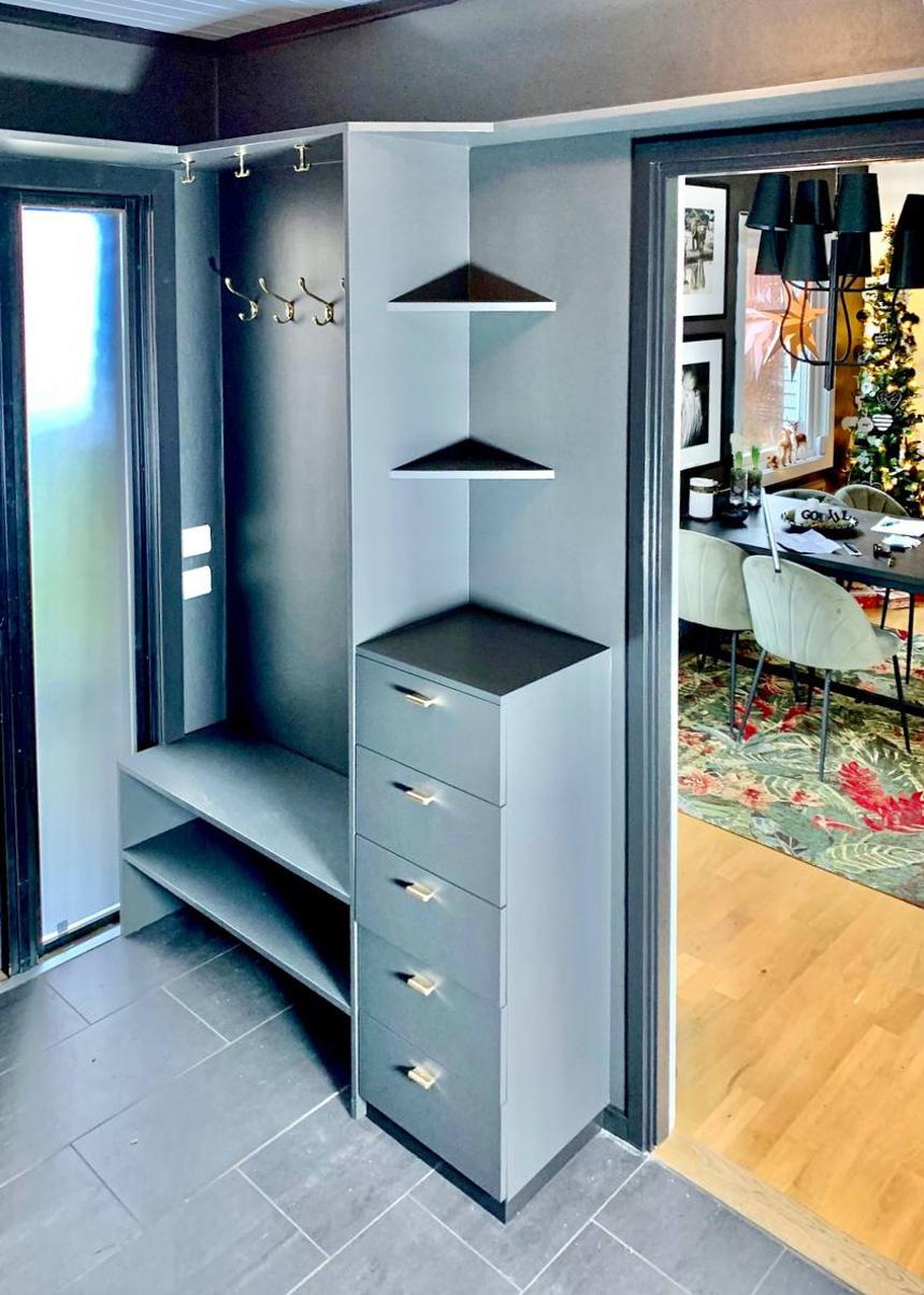 Poppos AB - Platsbyggd garderob