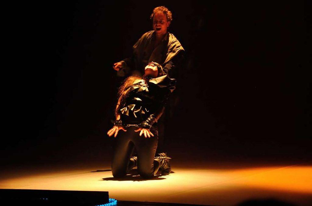 Jekyll and Hyde Bohemian Productions Kostuumontwerp Decorontwerp Sceneshot 12 1