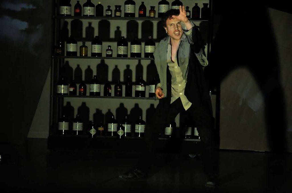 Jekyll and Hyde Bohemian Productions Kostuumontwerp Decorontwerp Sceneshot 26 1