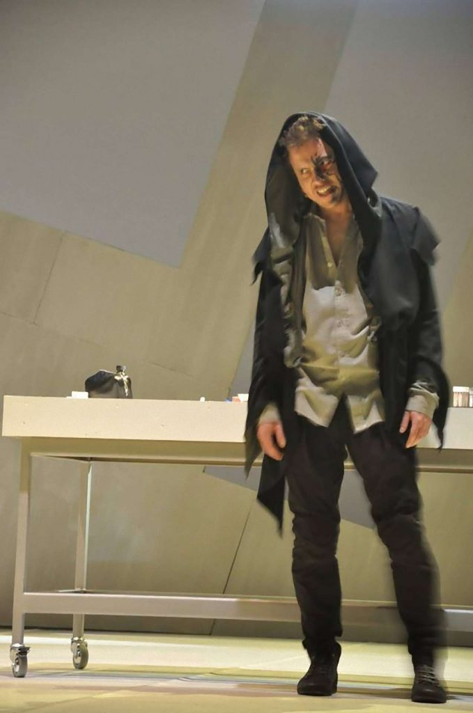 Jekyll and Hyde Bohemian Productions Kostuumontwerp Decorontwerp Sceneshot 36 1