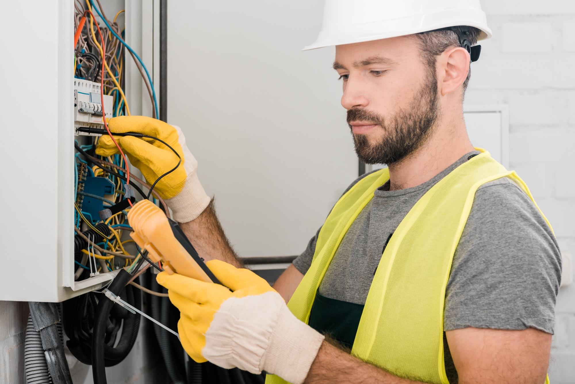Hvad koster en akut elektriker? Elektriker døgnvagt priser