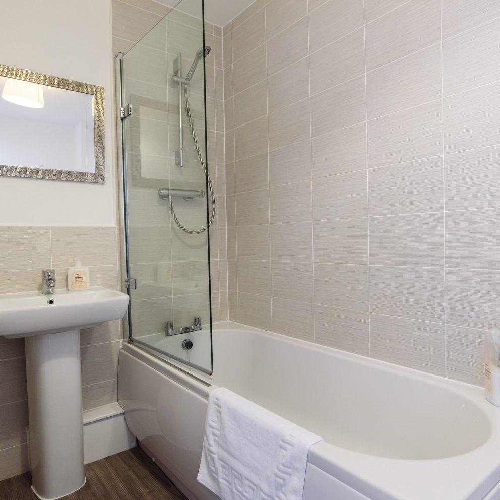 Bramante Heights bathroom