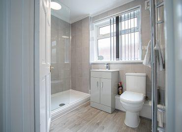 Clarence Retreat bathroom