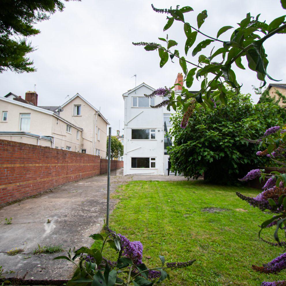 Clarence Retreat garden