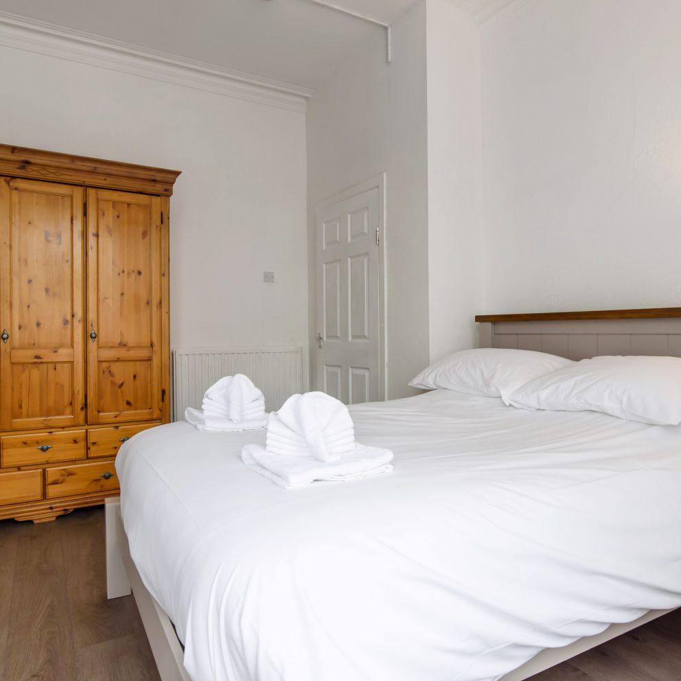 Handpost Lodge bedroom