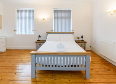 Locke House bed in bedroom