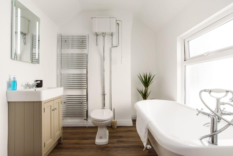 Lucas house bathroom