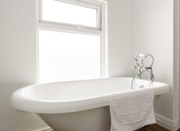 Lucas house bath