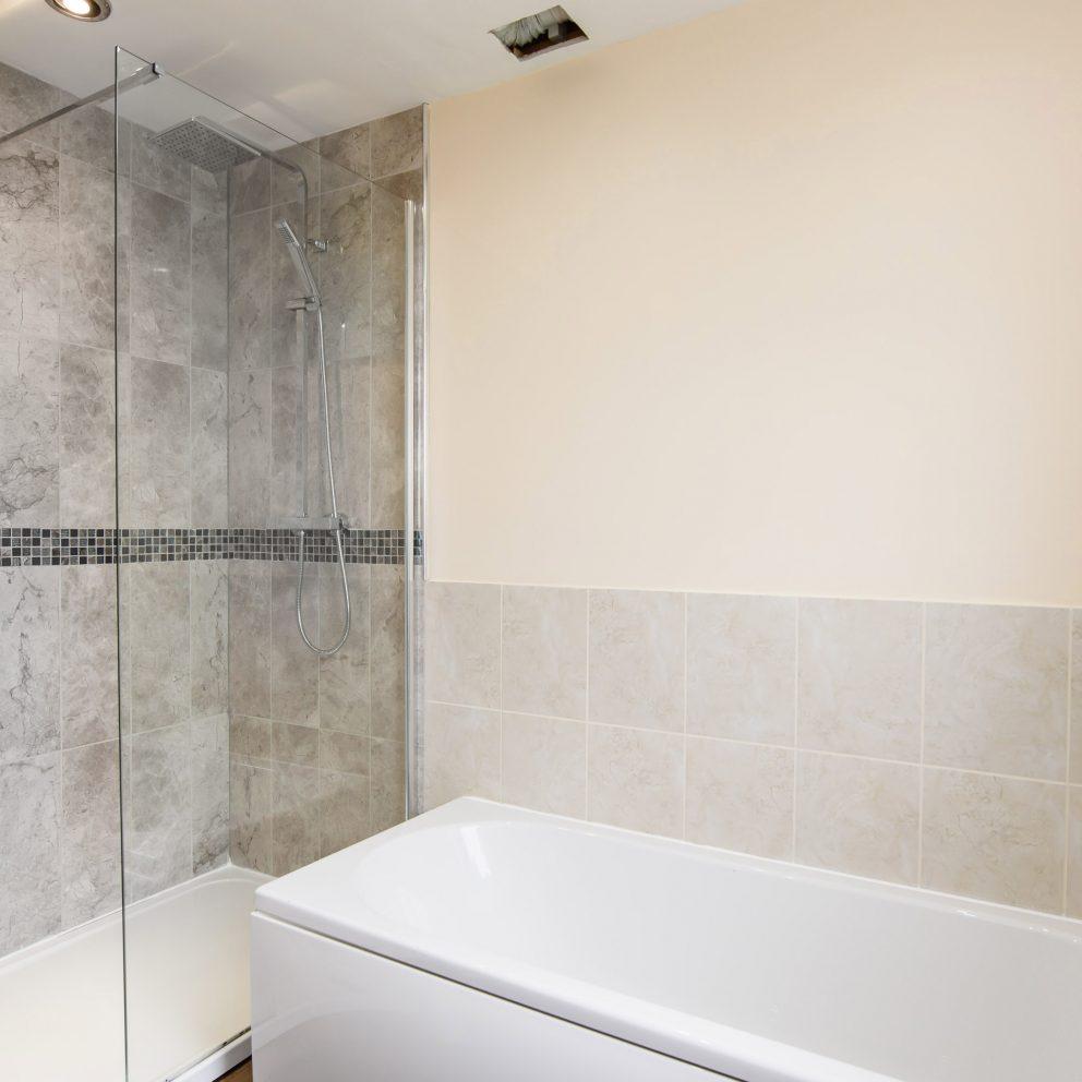 lucas lodge bath