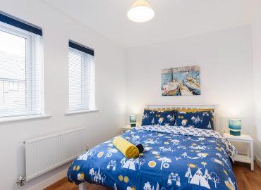 Magenta River blue bedroom