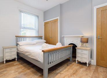 Handpost heights bedroom