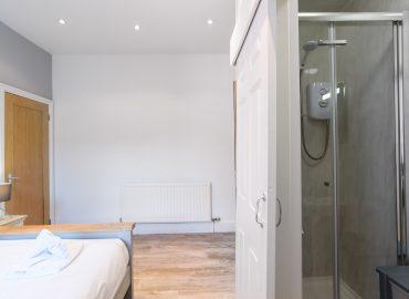 Handpost heights on suite bedroom