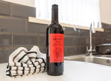 Handpost heights bottle of wine