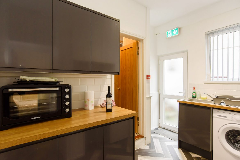 Cosy Studio Flat kitchen