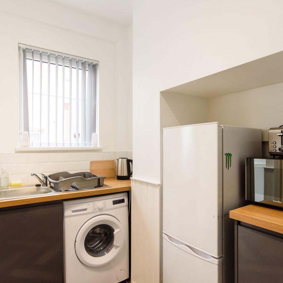 Cosy Studio kitchen & washing machine