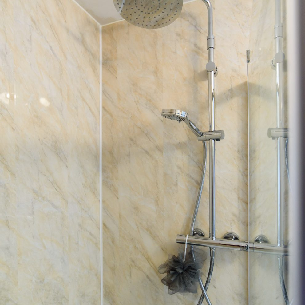 Cosy Studio shower