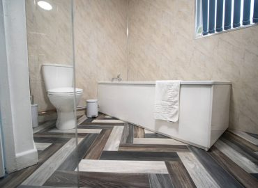 corpa retreat bathroom bath