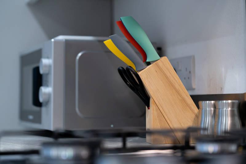 corpa-retreat-knives